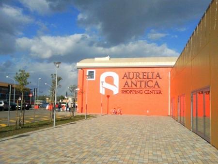 Chiusura temporanea Conad al centro commerciale Aurelia Antica per lavori