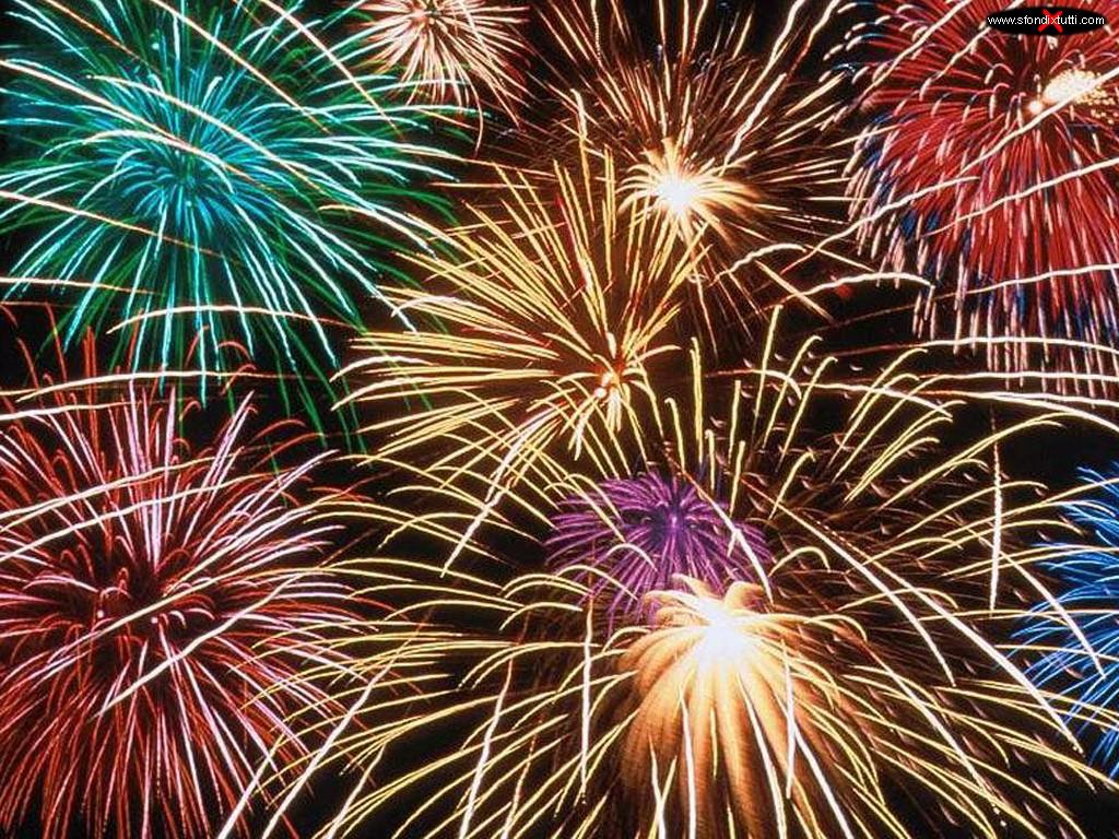 Follonica, venerdì 31 agosto appuntamento con i fuochi d'artificio sul lungomare
