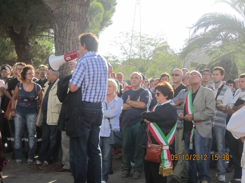 Photo of Il sindaco e gli assessori di Follonica alla manifestazione per la crisi della siderurgia di Piombino