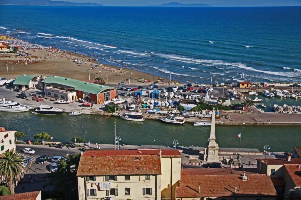Castiglione della Pescaia: al via i lavori per la pulizia del porto. La Giunta incontra le associazioni