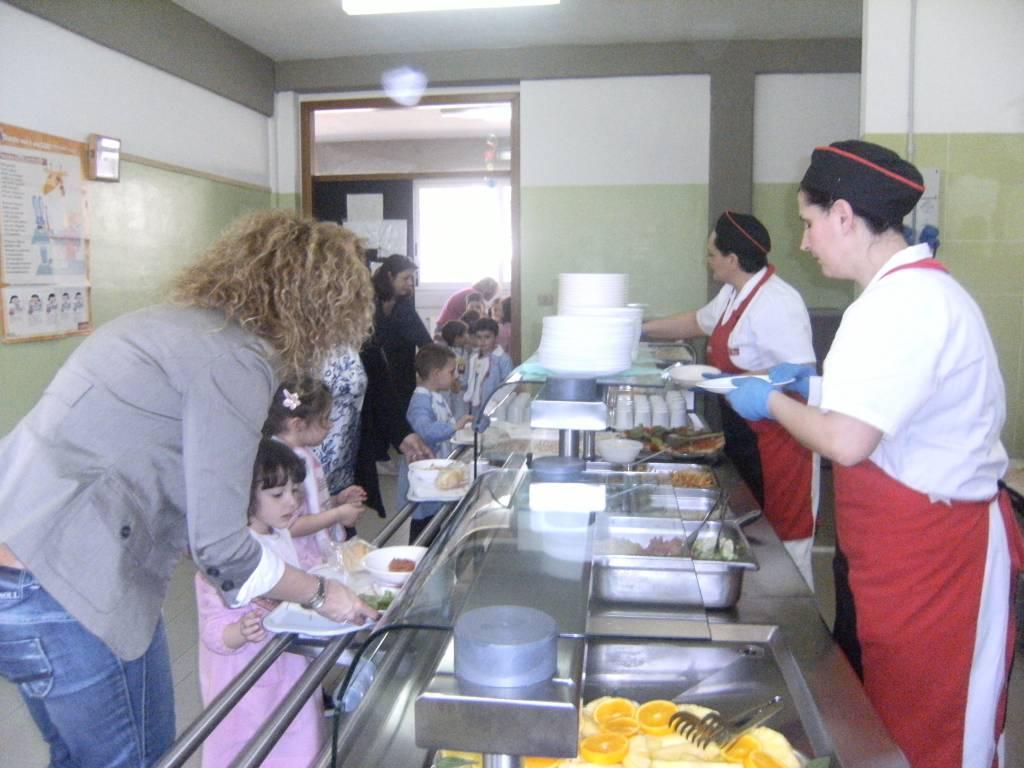 Follonica: ecco il bando per l'affidamento del servizio mensa nelle scuole