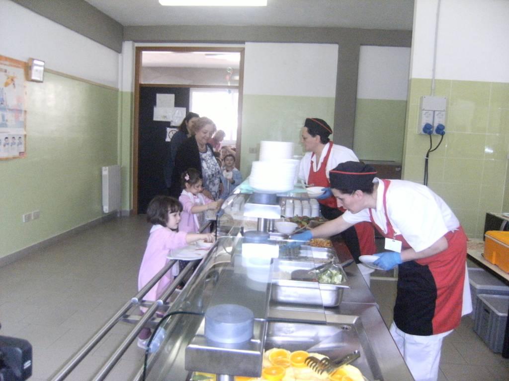 """Grosseto: la scuola materna di via Portogallo attiva la mensa self service grazie al progetto """"Serviti da te"""""""