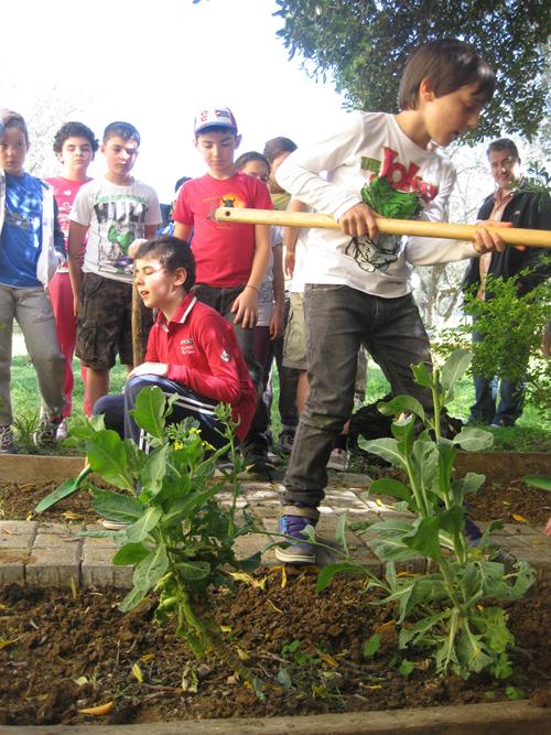 """Photo of Legambiente lancia """"Orti in festa"""", la campagna nazionale dedicata all'orticoltura e al verde urbano"""