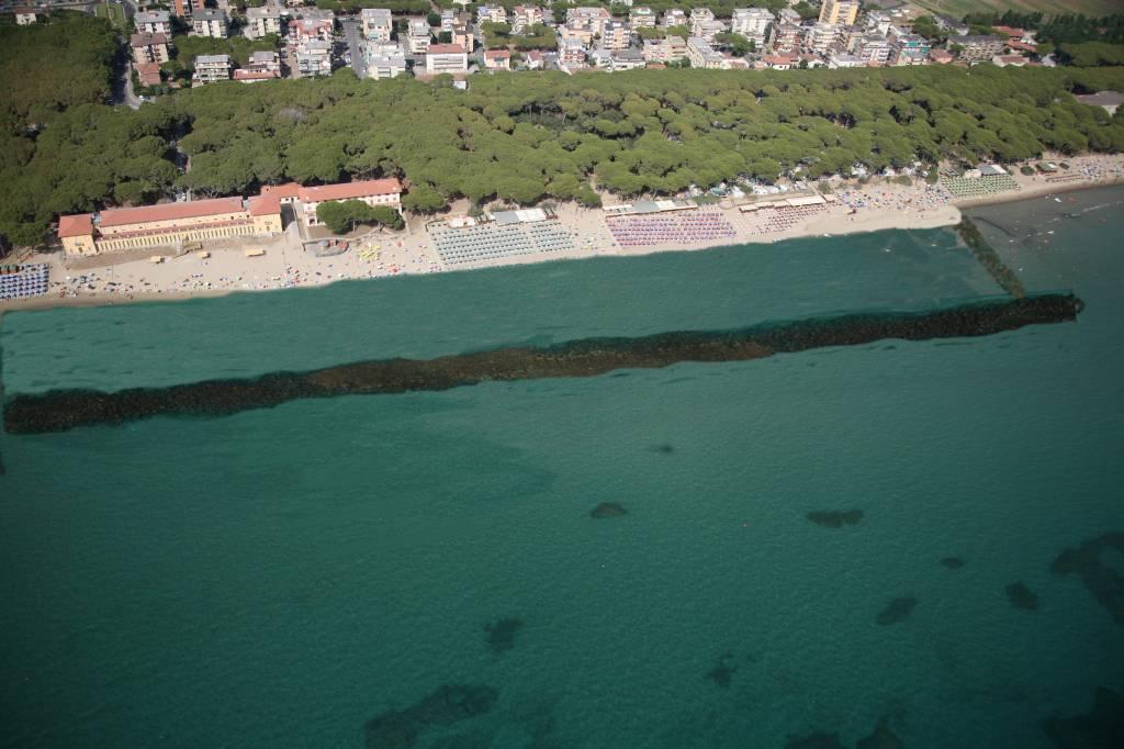 Follonica la provincia organizza una giornata di studio sui dragaggi non invasivi delle spiagge - Bagno oasi follonica ...