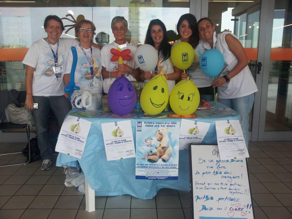 I sorrisi per i bimbi in ospedale non vanno in vacanza: i volontari Abio impegnati anche ad agosto