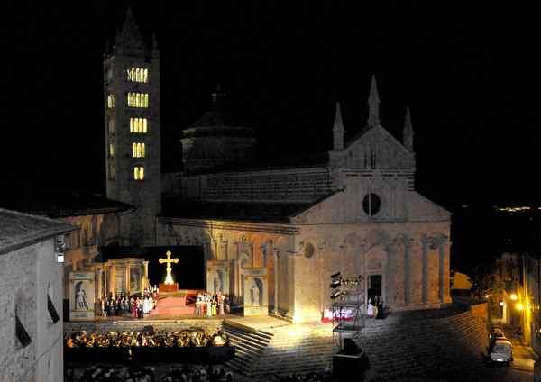 """Photo of """"Lirica in Piazza"""": ecco come richiedere il rimborso degli spettacoli annullati"""