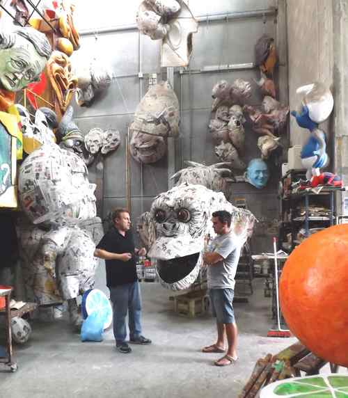 Cittadella del Carnevale: l'assessore Aloisi in visita a Viareggio
