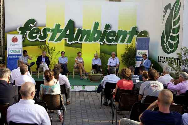 Photo of Legambiente e Banca della Maremma donano prodotti per 5000 euro a Caritas e Querce di Mamre