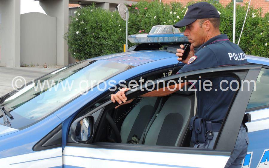 Tentano di rubare in una macchina: scoperti da un automobilista di passaggio