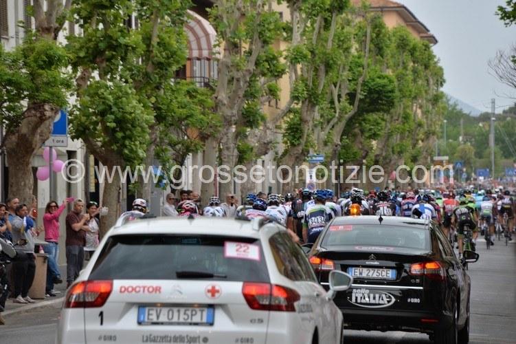 Tirreno-Adriatico a Follonica: le modifiche al traffico e i divieti in città