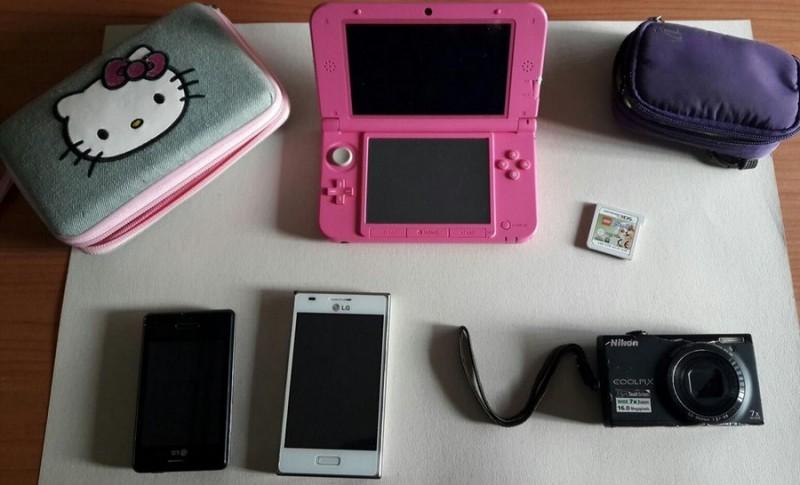Trova un Nintendo e cellulari che usa per chiamate personali: denunciato