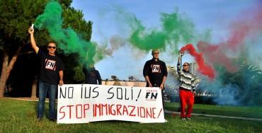 """Grosseto, manifestazione di Forza Nuova: """"Stop all'immigrazione"""""""