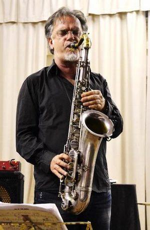 """Photo of """"L'Arte del Jazz"""": atmosfera natalizia e solidarietà agli Industri in un concerto speciale"""