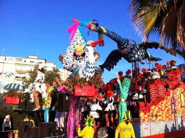 A Follonica è ancora Carnevale tra feste, sfilate e sbaracco