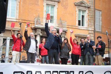 Il Movimento delle Agende rosse dona tre libri al Comune: saranno sistemati alla Chelliana
