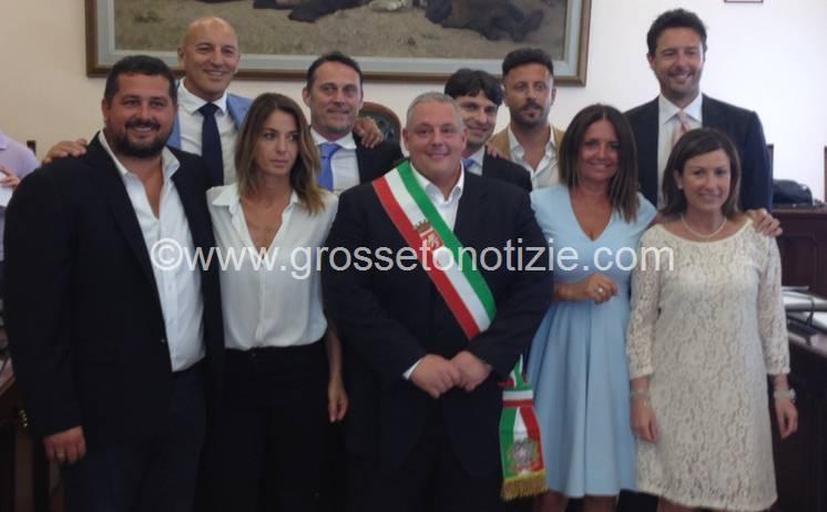 Vivarelli Colonna toglie i veli alla nuova Giunta: ecco la squadra di governo