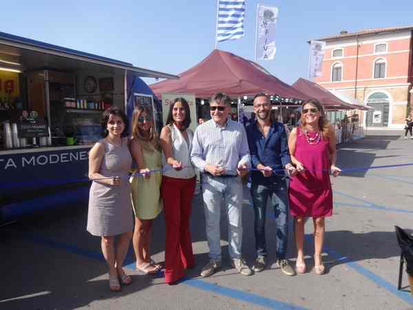 """Photo of Orbetello fa festa con il cibo di strada: inaugurato """"Street food"""""""