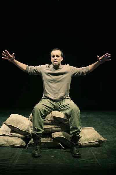 """Teatro delle Rocce: con """"Milite ignoto"""" Perrotta dà voce ai soldati della Grande guerra"""