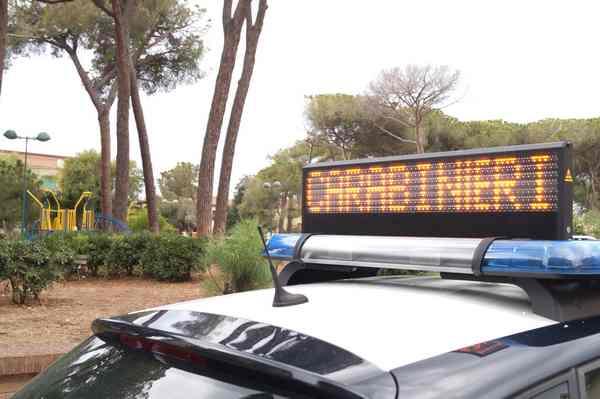 Rapinarono una gioielleria e fuggirono con il bottino: arrestate tre persone