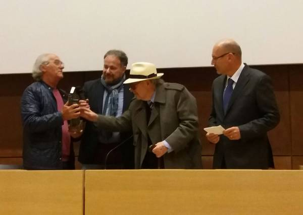 """""""L'assassino torna sempre sul luogo del delitto"""". Umberto Lenzi a Massa Marittima per ritirare il premio"""