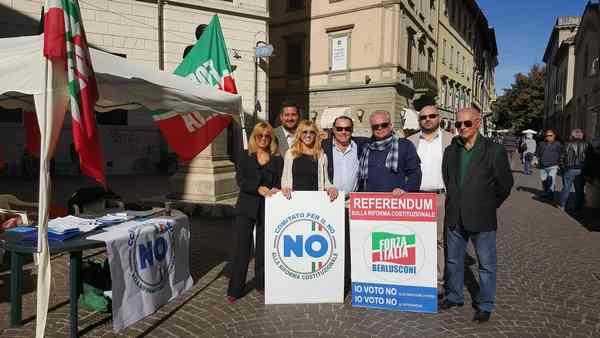 """Referendum: gazebo di Forza Italia per spiegare le ragioni del """"No"""""""