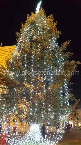 "Gonfiabili, spettacoli per bambini e dolci: torna ""Giocando per Natale"" in piazza Nassiriya"