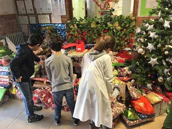 Giochi per la Caritas destinati ai bambini bisognosi: donazione degli alunni delle elementari