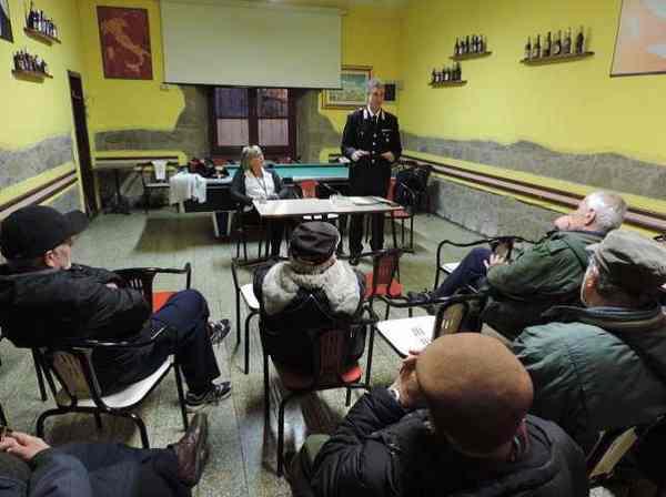 Lotta alle truffe: i Carabinieri incontrano gli anziani di Saturnia e Sorano