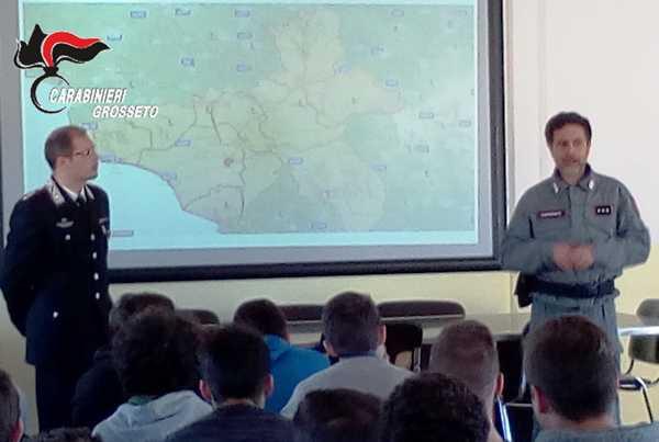 Cultura della legalità e rischi del web: gli studenti a lezione dai Carabinieri