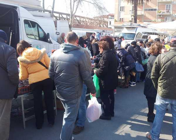 Photo of Torna l'appuntamento con lo shopping in centro: ecco il mercato di Pasqua
