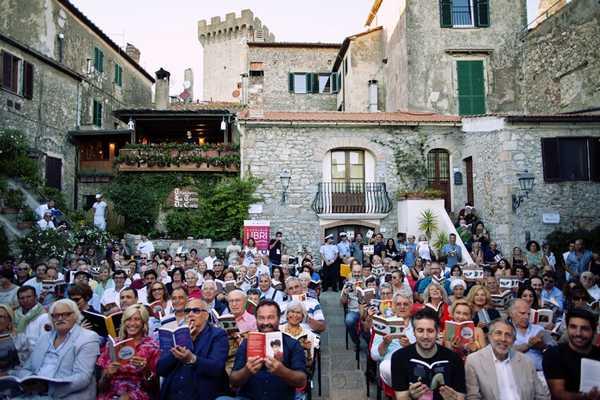 """""""Città che legge"""": Capalbio protagonista alla convention di Milano sui libri"""