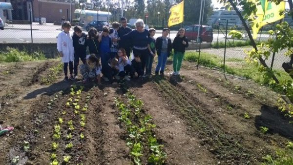 """""""Coltiviamo il digitale"""": gli alunni a lezione da Coldiretti per studiare ambiente e prodotti locali"""