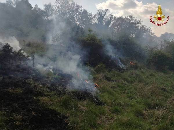 Photo of Incendio sul Monte Labbro. In corso la bonifica del terreno (foto)