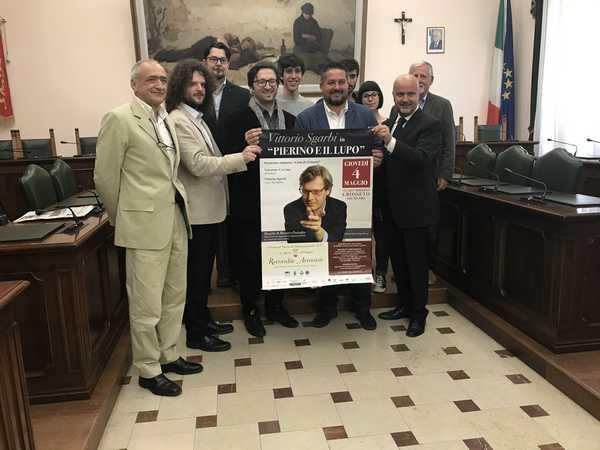 """Photo of Recondite armonie: Vittorio Sgarbi e l'Orchestra """"Città di Grosseto"""" in scena al Moderno"""