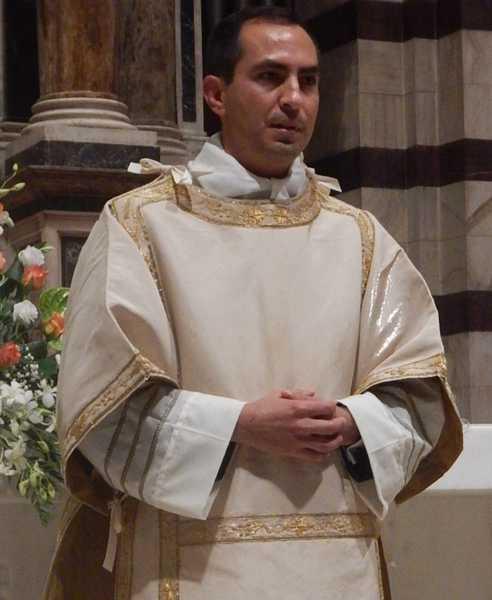 Il vescovo rodolfo ordina un nuovo sacerdote festa a grosseto - Francisco padilla ...