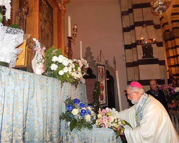 Grosseto festeggia la Madonna delle Grazie: tanti fedeli alla messa in Duomo