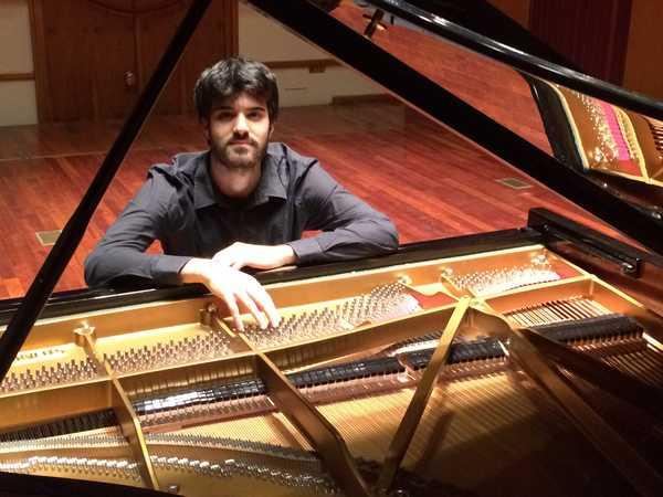 """""""Aspettando Orbetello Piano Festival"""": il pianista Luigi Carroccia in concerto"""