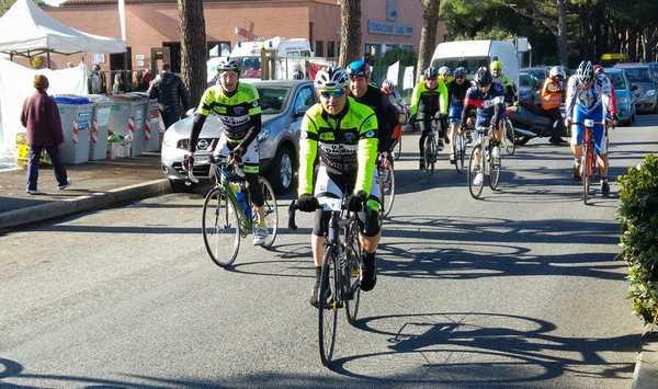 Sport e solidarietà: torna il cicloraduno per aiutare la Fondazione Il Sole