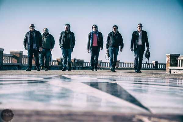 Scarlino: la cover band dei Nomadi Settima Onda in concerto al castello