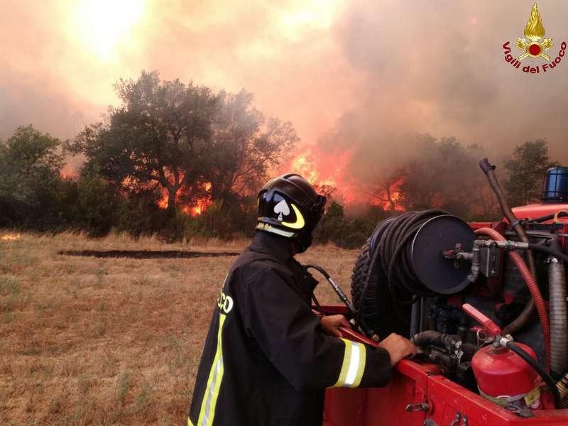 Photo of Ripreso l'incendio a Pietratonda: in azione due elicotteri