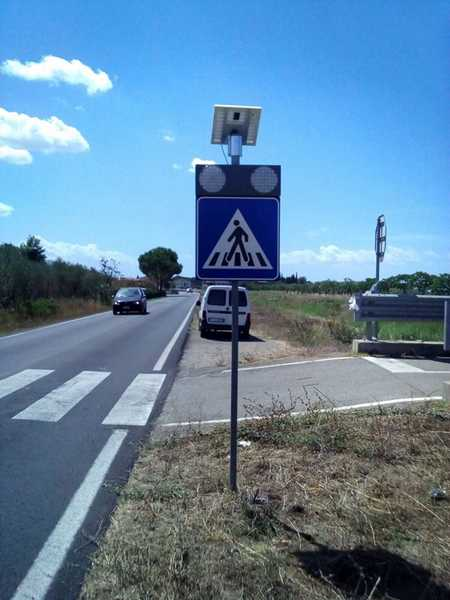 Sicurezza stradale, tre nuovi passaggi pedonali lampeggianti: ecco dove sono