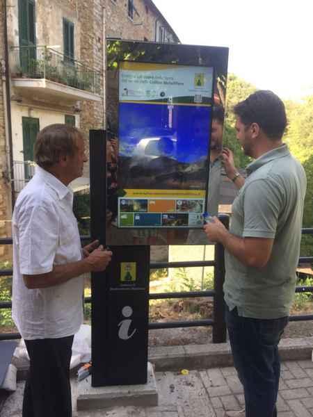 Totem interattivo e brochure per migliorare l'accoglienza turistica a Monterotondo Marittimo