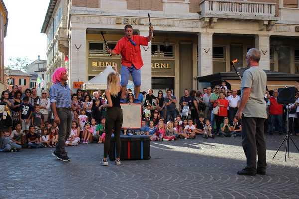 Torna Agorartist: il centro storico si trasforma in un circo a cielo aperto. Il programma completo