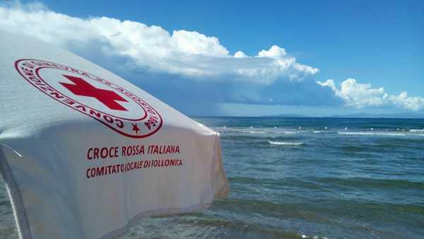 Coppia festeggia le nozze d'oro e fa una donazione alla Croce Rossa