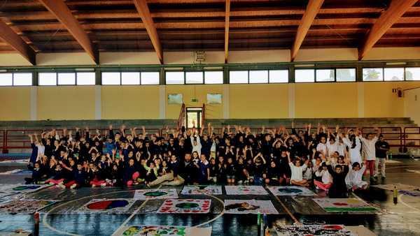 Nave della solidarietà: le vele degli alunni di Capalbio a Lampedusa in nome della pace