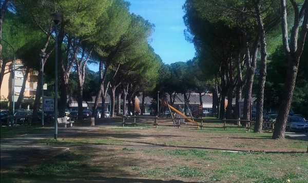 """Via Argento, il comitato scrive all'assessore: """"Cancellini e rete nel parco per la sicurezza dei bambini"""""""