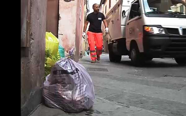 Raccolta porta a porta a Magliano: al via la fornitura dei sacchi. Ecco i punti di consegna