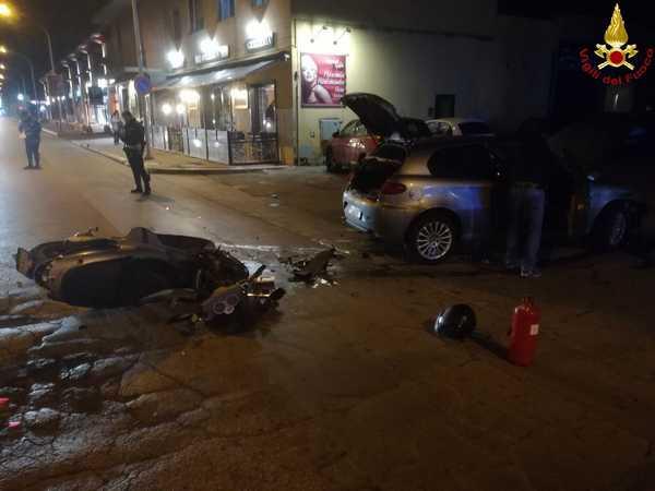 Incidente in via Aurelia Nord: scontro tra un'auto e uno scooter