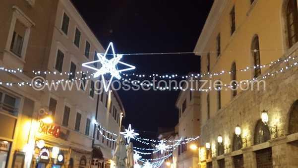 """Illuminazione natalizia, al via la raccolta fondi: """"I commercianti partecipino al progetto"""""""
