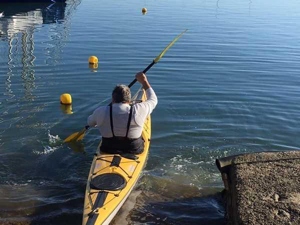 Da Talamone a Catania in kayak: Guido Del Gizzo fa tappa al Lido di Tarquinia